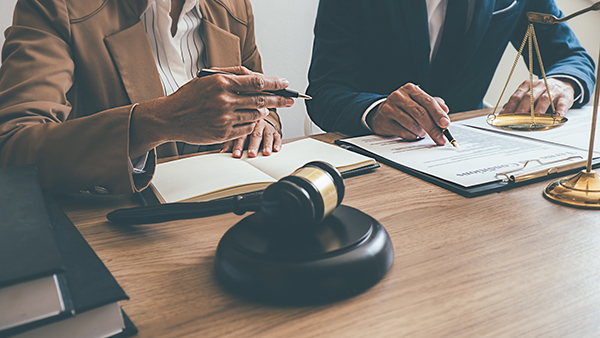 Services d'avocat avant achet d'un condo