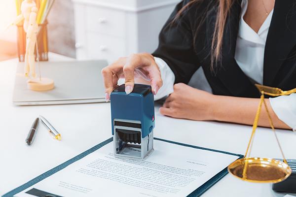 Rôle du notaire signature actes testaments hypothèques