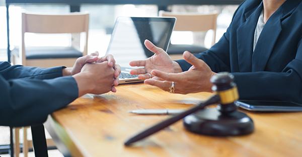 Quand contacter un notaire avant l'achat d'une maison?