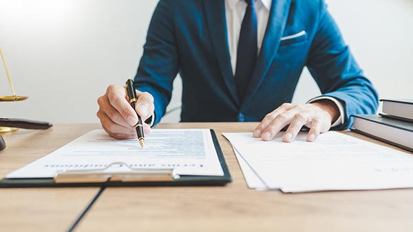 Caution et contrat de prêt avec un notaire de Laval