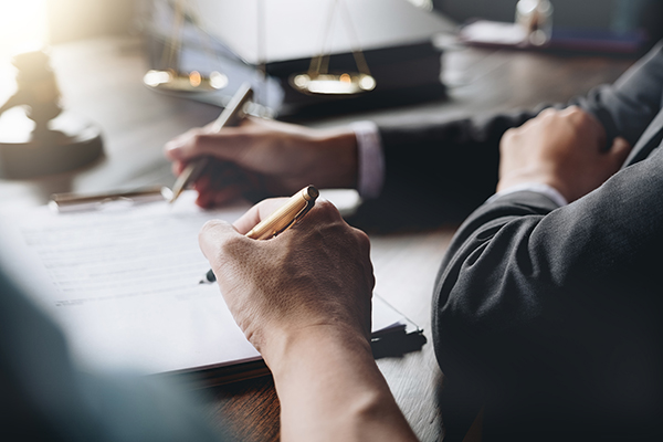 Les services de recherche testamentaires dans les registres