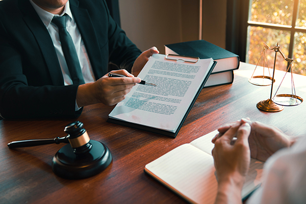 Engager avocat et notaire pour la médiation civile