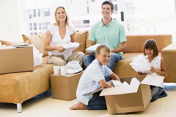 Voici 9 astuces pour savoir préparer vos boîtes pour votre déménagement.)