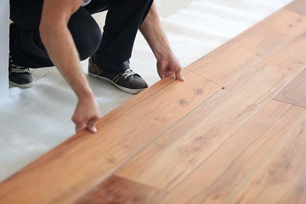 installer-plancher-vinyle-cout