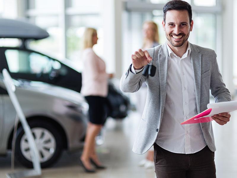 Comment est payé un concessionnaire automobile au Québec ?