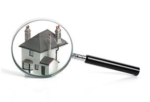 Il est important de vérifier votre toit efficacement pour qu'un maître-couvreur ait la meilleure idée des réparations à faire chez Soumissions Maison.