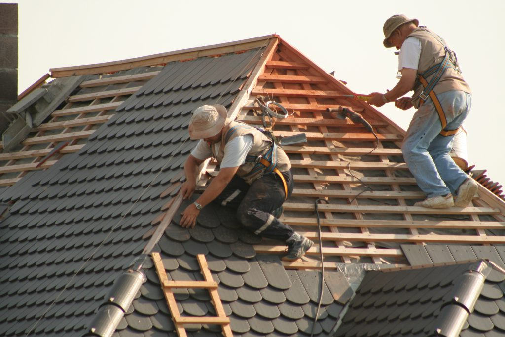 Choisir son revêtement de toiture : prix et conseils pour les propriétaires de maison ...