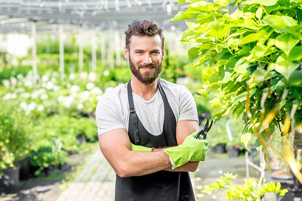 engager-horticulteur-architecte-paysagiste-jardinier-soumissions