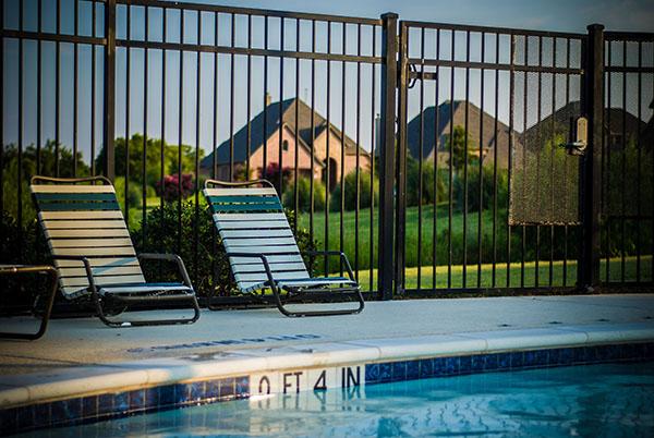 cloture-piscine-reglements-lois-directives-quebec