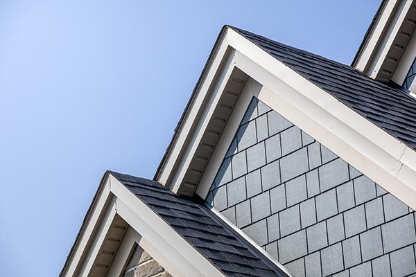 installation-pose-fascia-toit-maison-isolation.