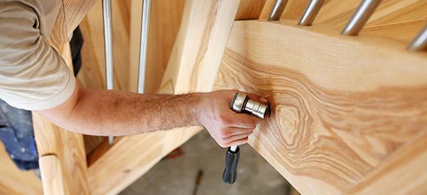 Au-delà du prix, l'escalier en boisest chaleureux, élégant et noble, adaptable, versatile...