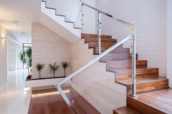 escaliers-quart-tournant-avantages-inconvenients-caracteristiques