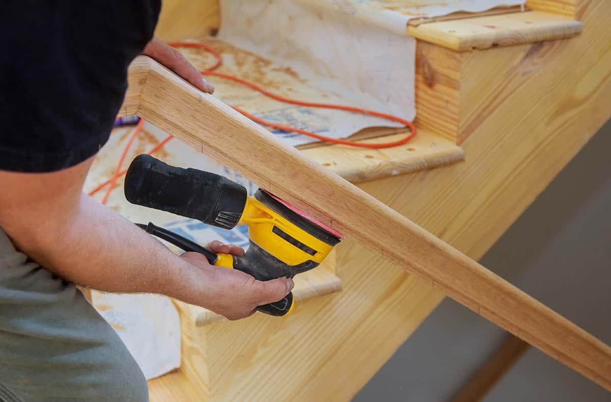 installation-renovation-escalier-maison-entrepreneur-quebec