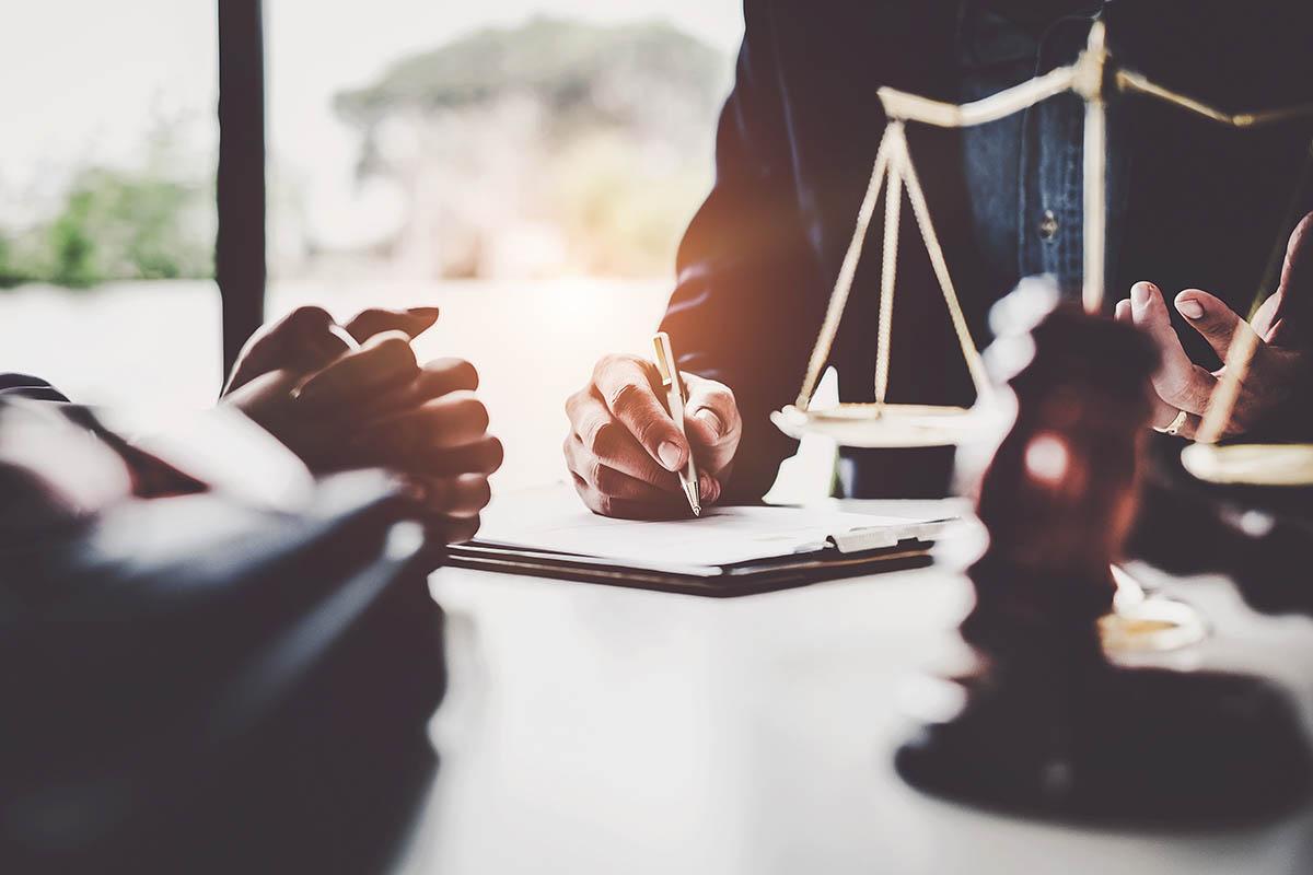 engager-services-meilleurs-avocats-juridiques-ville-quebec