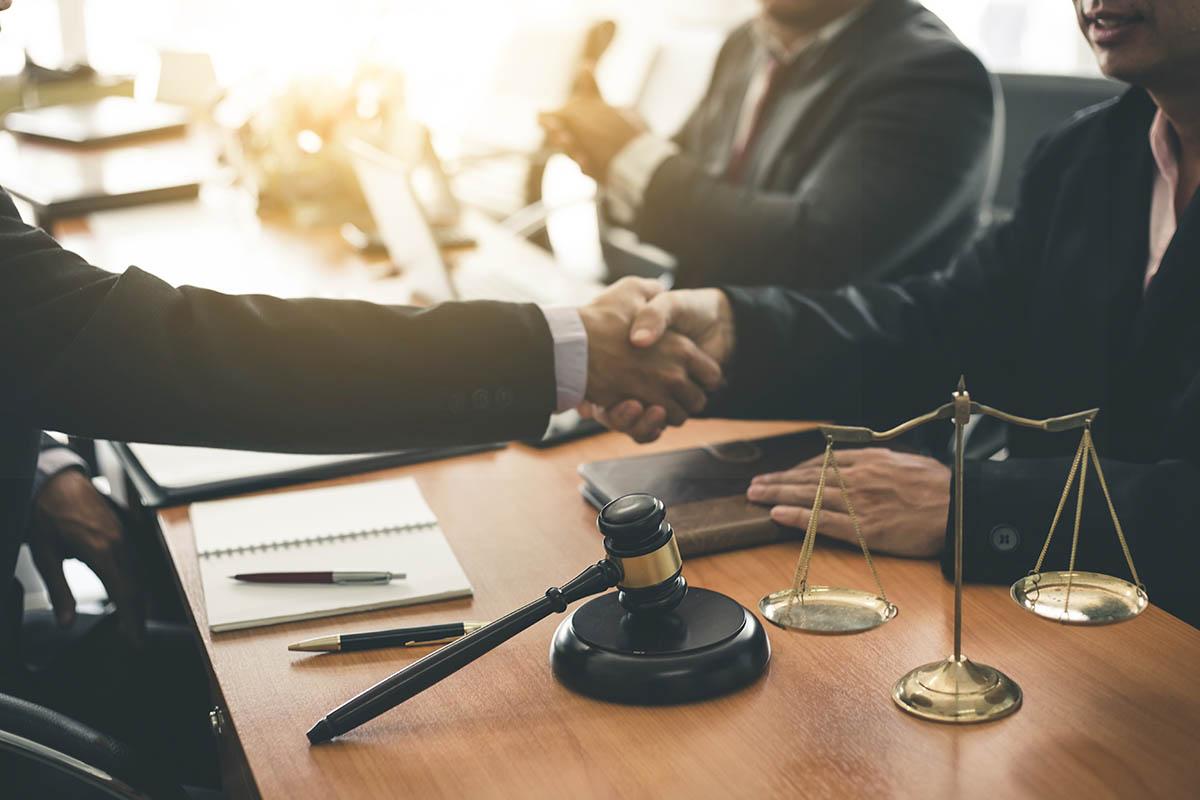 trouver-meilleurs-avocats-ville-montreal-services-conseils