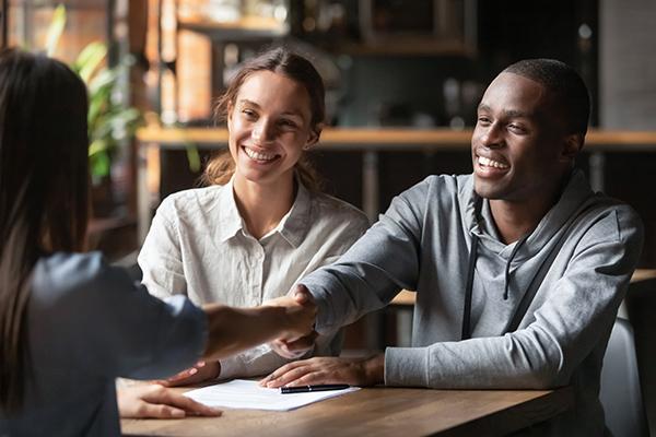 Différence entre un courtier immobilier et un courtier hypothécaire