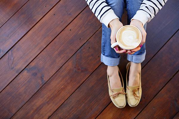 Comparer les prix et avantages des types de bois pour plancher