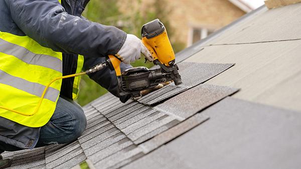 L'avantage du bardeau d'asphalte pour une toiture