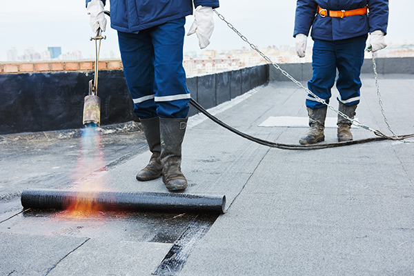 Comment bien entretenir un toit plat?